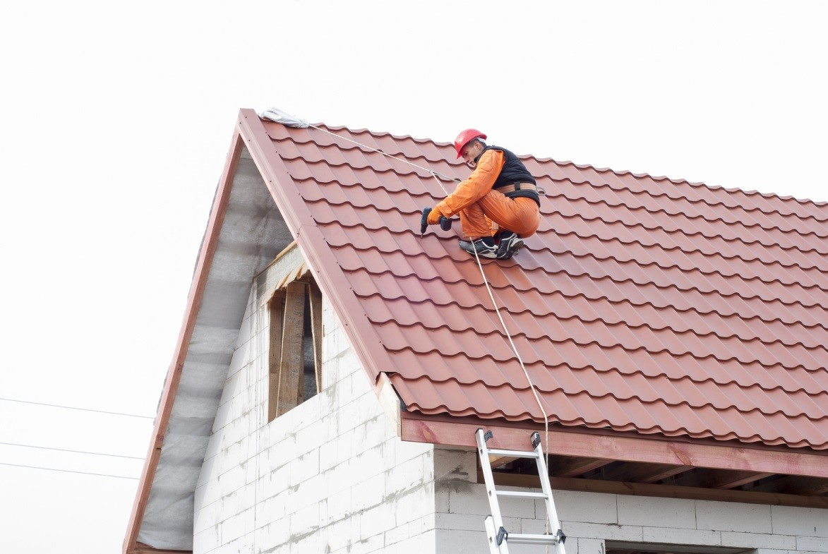 Schaumburg Roofing Tips How To Cover A Damaged Roof
